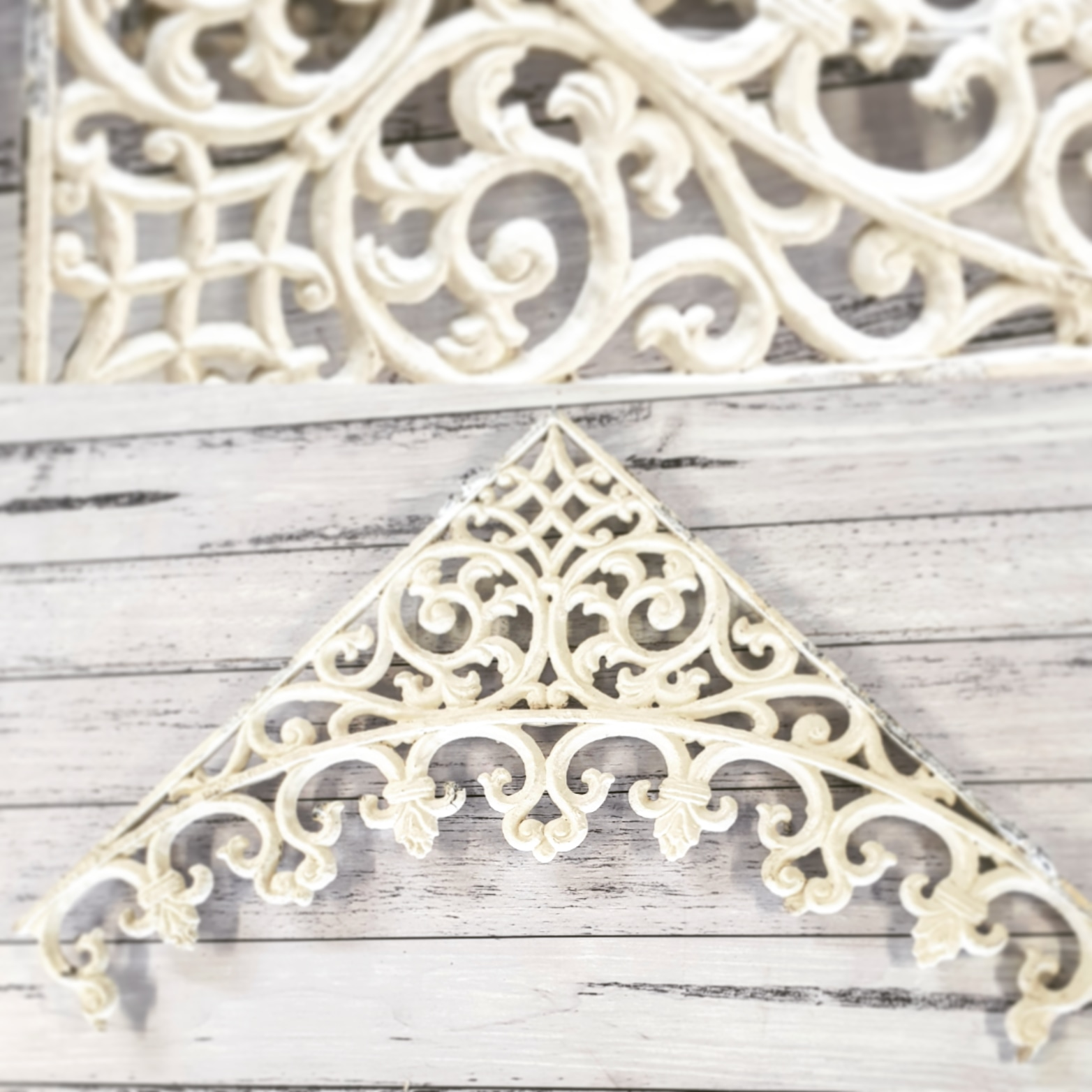 VERANDAH CORNER FRIEZE ~ White ~ 4 x Pieces ~ Aluminium ~ $80.00/set