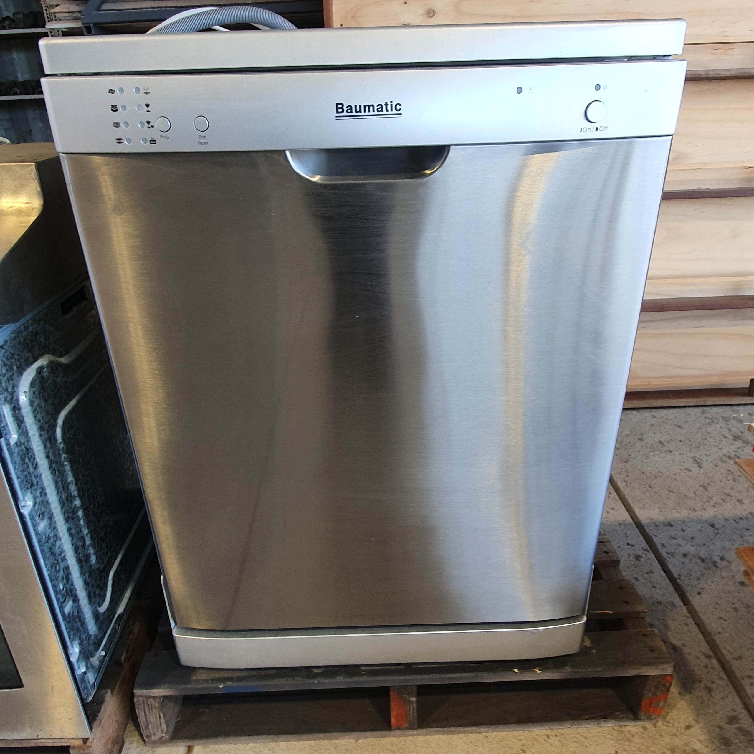 Baumatic Dishwasher.