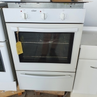 Chef Wall oven w/Griller - White - 590w x 880h x 535d - $40.00