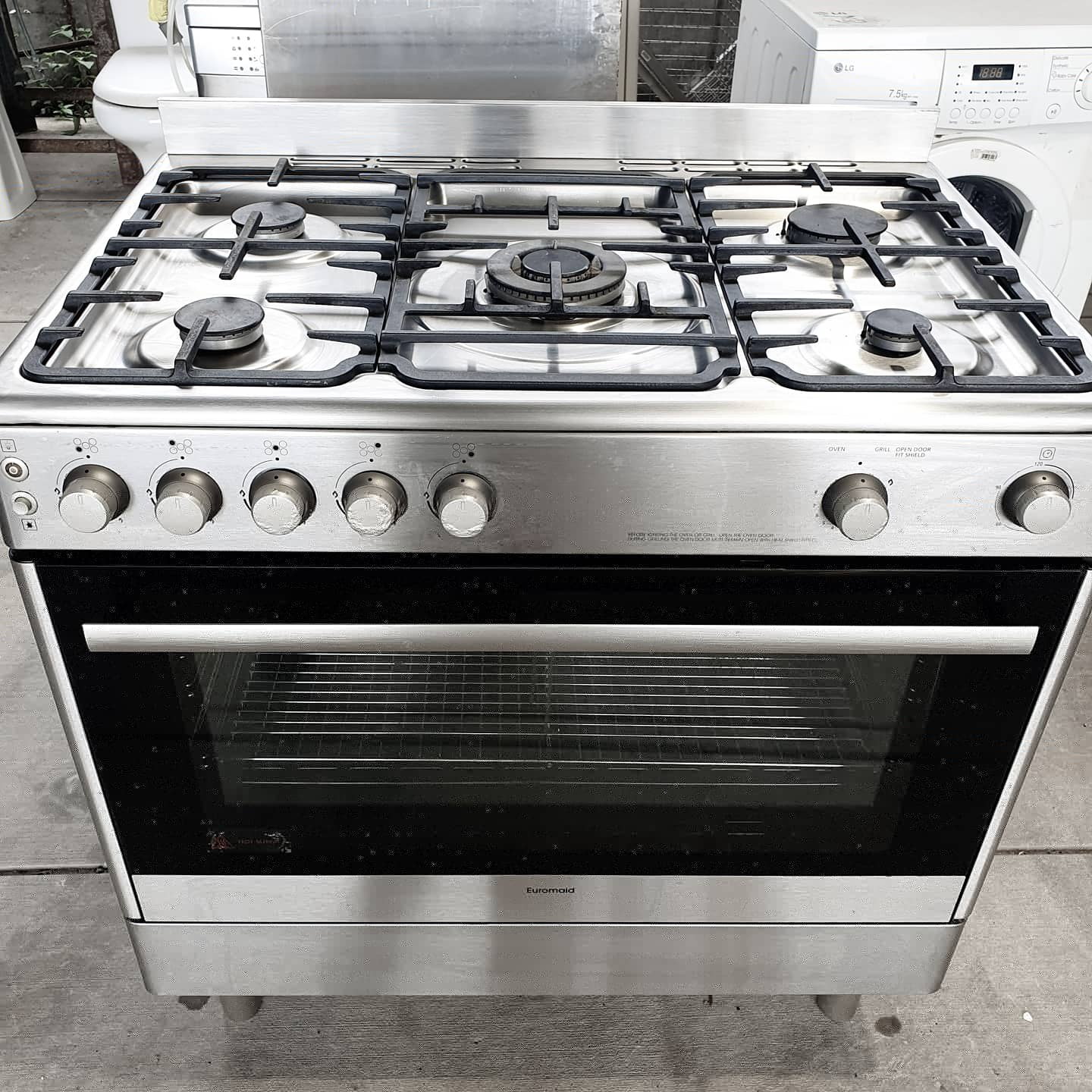 🌿Euromaid Oven with Rangehood and Stainless Splashback and Heat Guards🌿